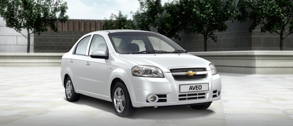aveo_sedan_summit_white